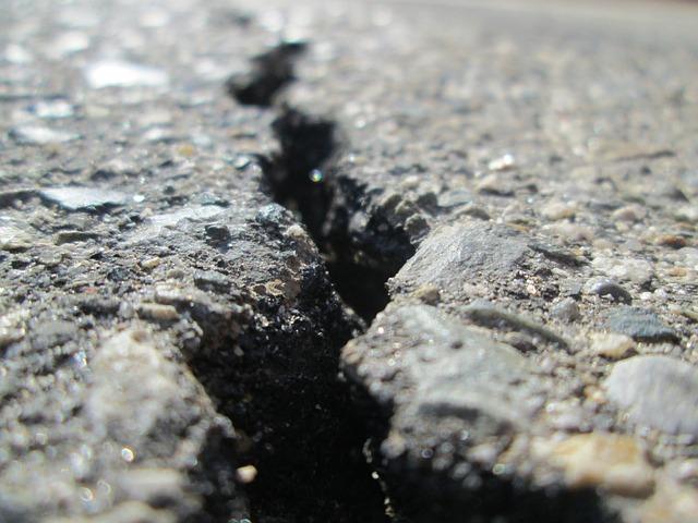 crack in driveway